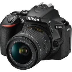 Nikon D5600 con Lente...